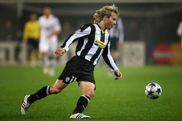 Período em que atuou na Juventus  2001 a 2009. Títulos conquistados  2  Serie A (2001-02 e 2002-03) 714ac33069642