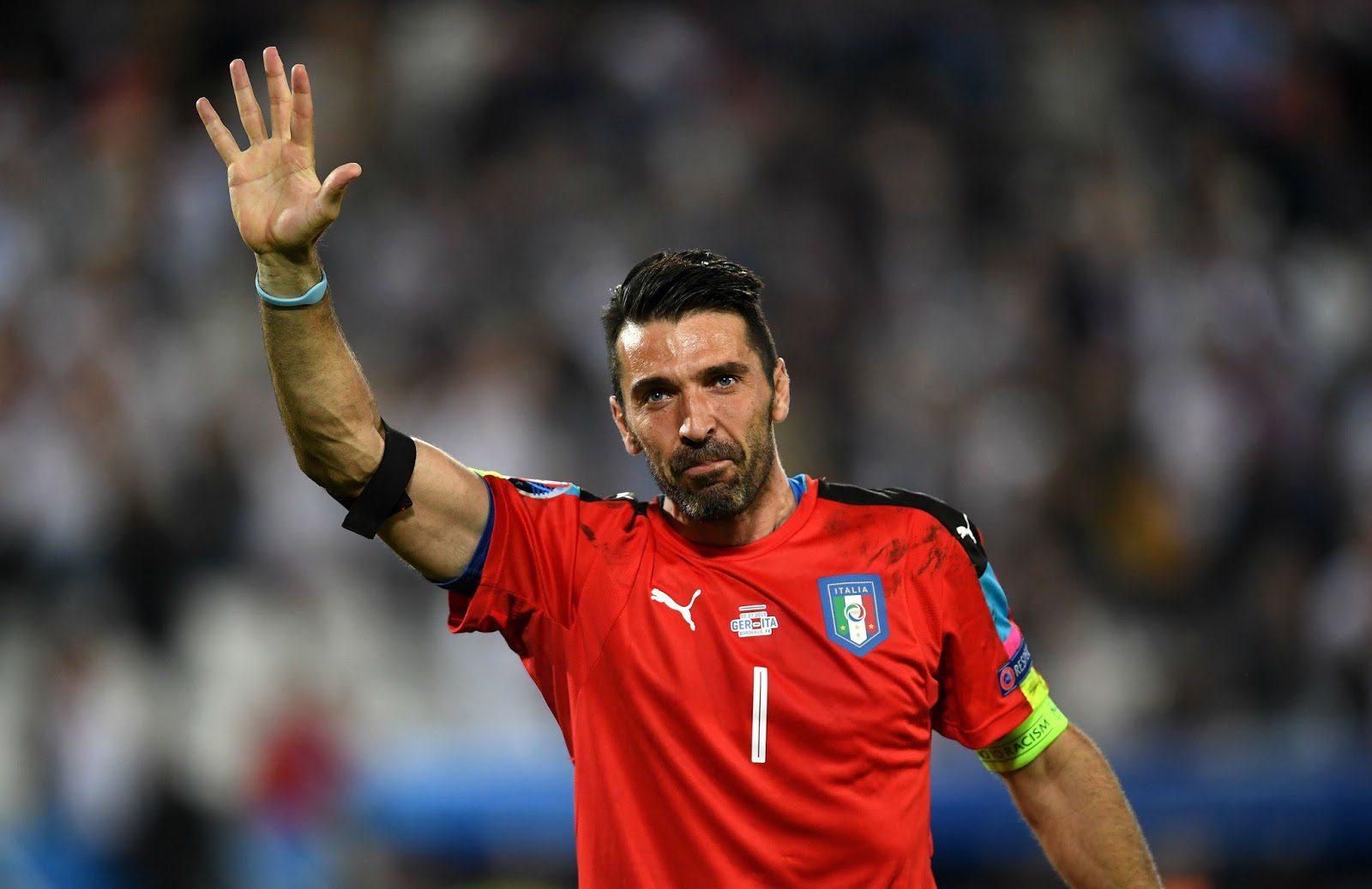 d2c07866e4 Gigi Buffon ainda é ídolo e ocupa o posto de capitão da Itália (AP)