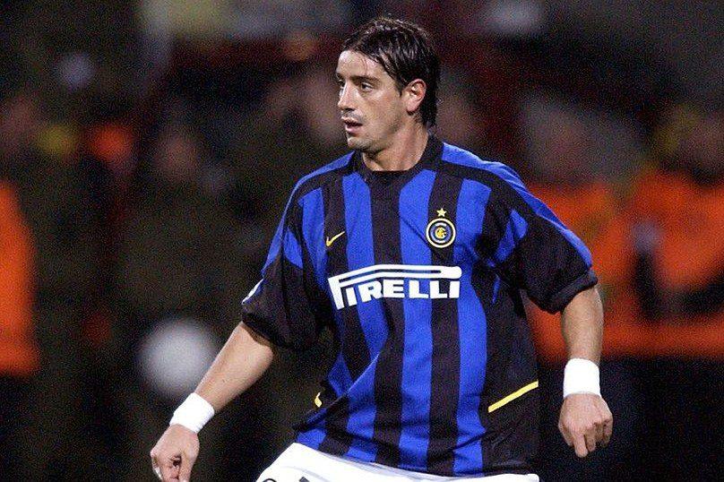 cba4d6c22d5da Trajetória nos clubes: 79 jogos pelo Milan (1995-97, 1998-99 e 2000-01) e  41 pela Inter (2002-05)