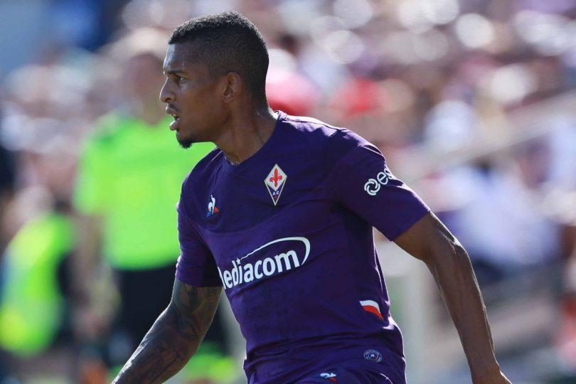 Lateral Dalbert, da Fiorentina, foi alvo de racismo (Viola Channel)